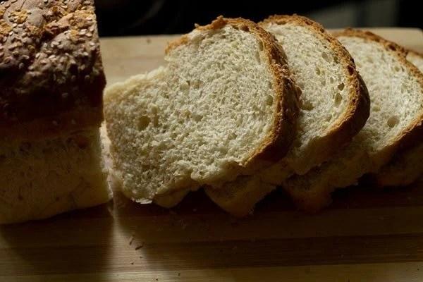 making garlic bread recipe on tawa