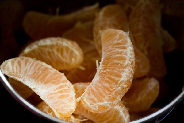 making orange juice in mixie