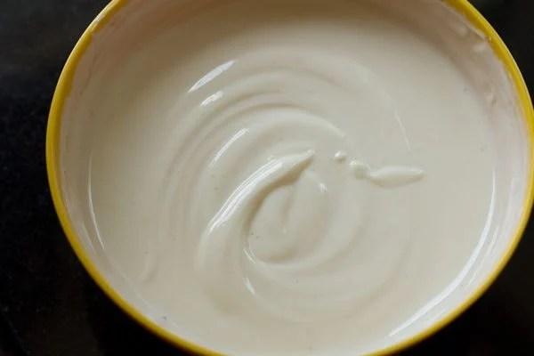 making shrikhand recipe with greek yogurt
