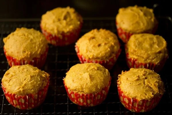 making eggless mango muffins recipe