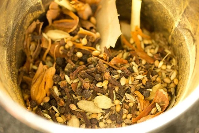 making garam masala recipe