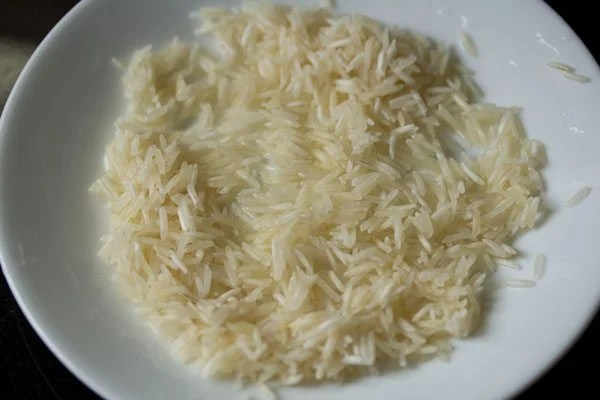 rice for mango phirni recipe