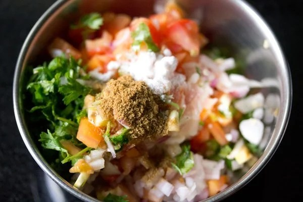 making tomato salsa recipe