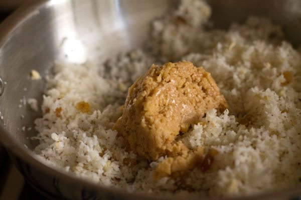 jaggery to make Goan neureos recipe