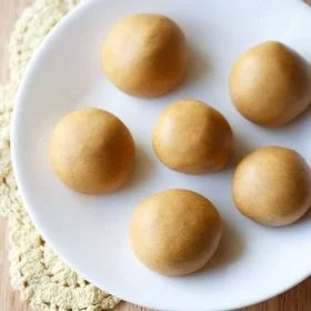 moong dal ladoo recipe