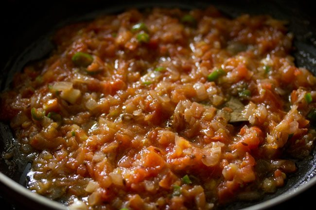 tomatoes for making palak bhurji recipe