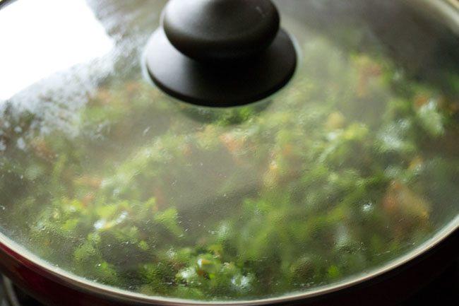 making paneer palak bhurji recipe