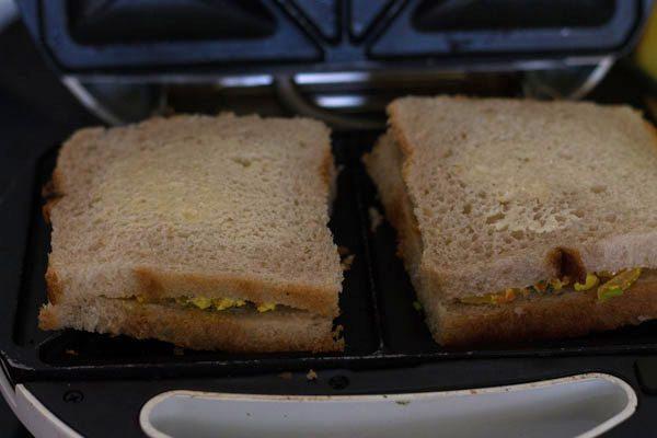 grilling paneer bhurji sandwich recipe