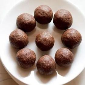 ragi ladoo recipe, how to make ragi ladoo | nachni ladoo