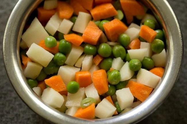 vegetables for veg puff recipe