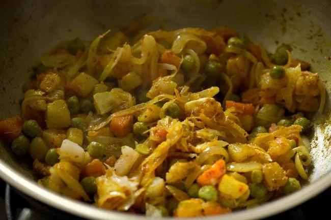 making vegetable puff recipe