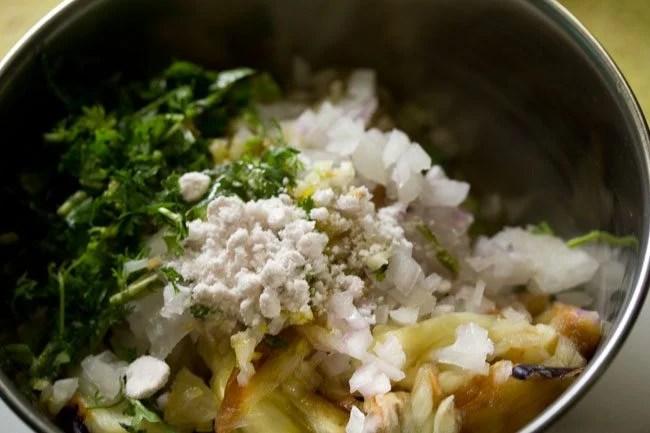 salt for baingan chokha recipe