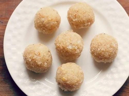 coconut ladoo recipe with khoya or mawa
