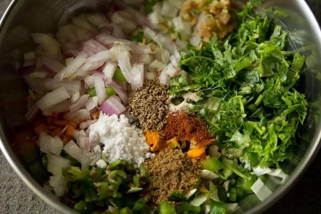 spices to make mix veg pakora recipe