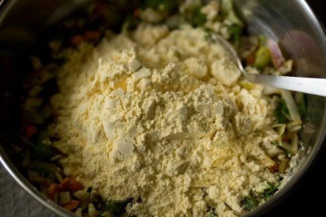 gram for making mix veg pakora recipe