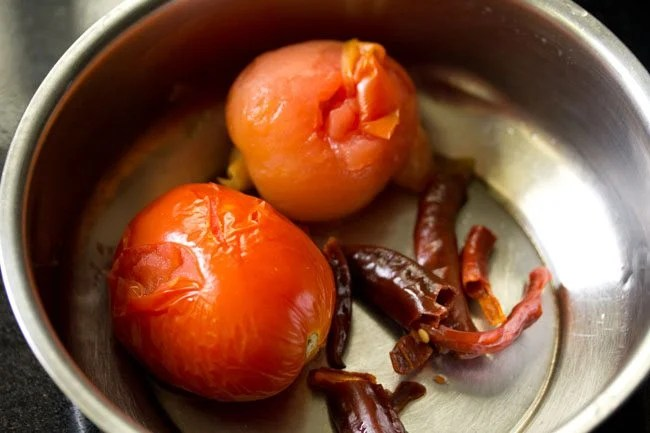 tomatoes for making veg momos chutney recipe