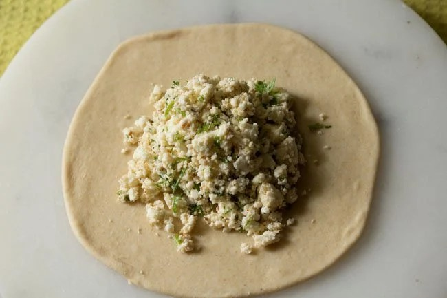 rolling kulcha - paneer kulcha recipe