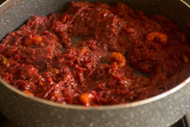 cooking khoya beetroot halwa