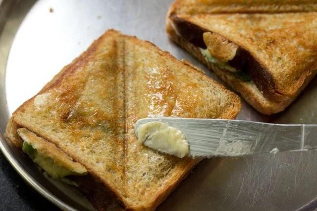 Mumbai cheese chilli toast recipe