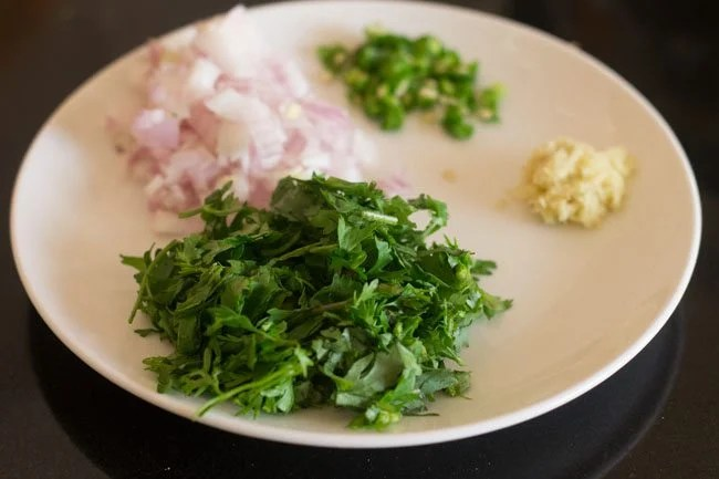 ingredients for moong dal cheela recipe