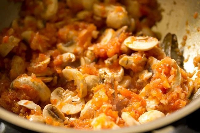 mushrooms to make red sauce pasta recipe