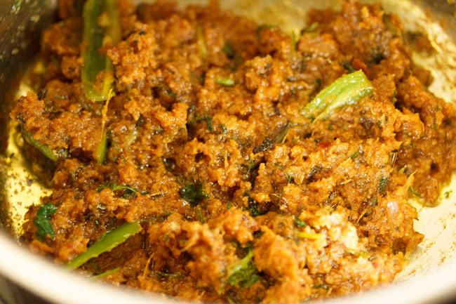 preparing mughlai veg masala recipe