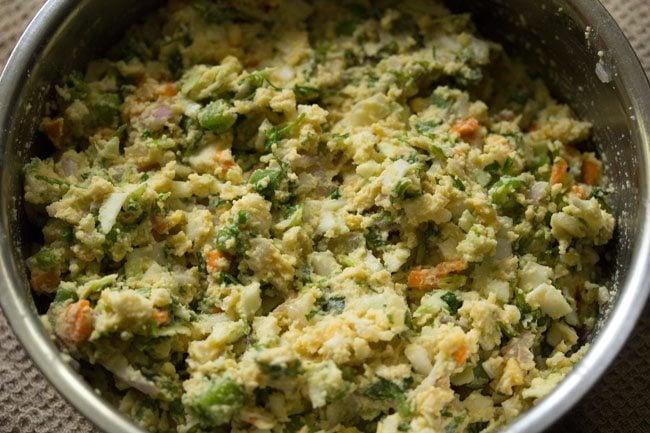 preparing veg dal vada recipe
