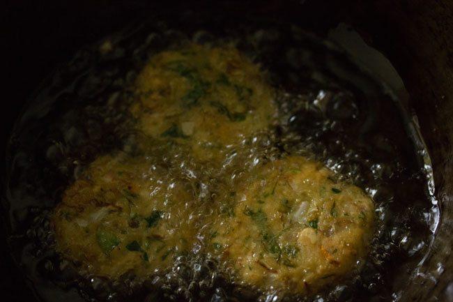 frying vada - making veg vada recipe