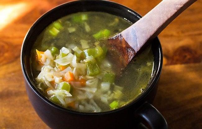Sopa de legumes, sopa saudável fácil de Veg Clear