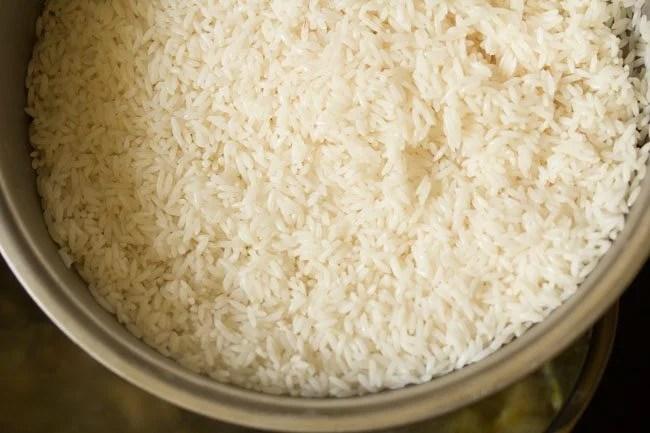 preparing veg Dindigul biryani recipe