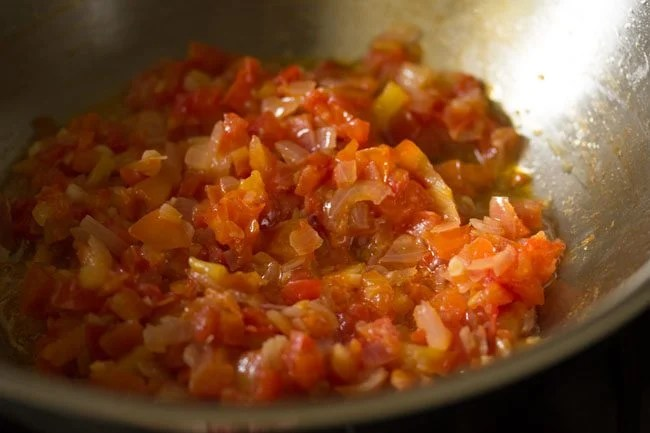 tomatoes to make potato curry recipe