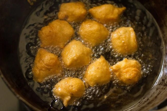 frying pakora - ram ladoo recipe