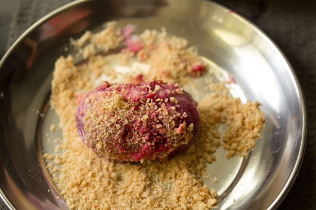 preparing Bengali style veg cutlets recipe