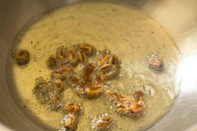 raisins for making dum aloo biryani recipe