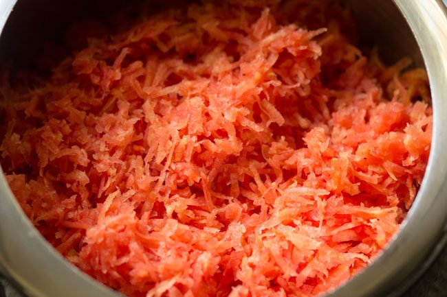 carrots for making pressure cooker carrot halwa recipe
