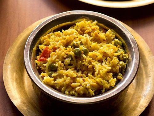bhaja muger khichuri recipe