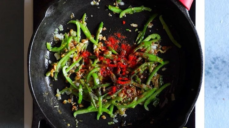 making chilli paneer restaurant style recipe