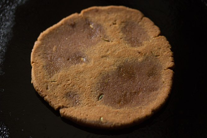 making gur ki roti recipe