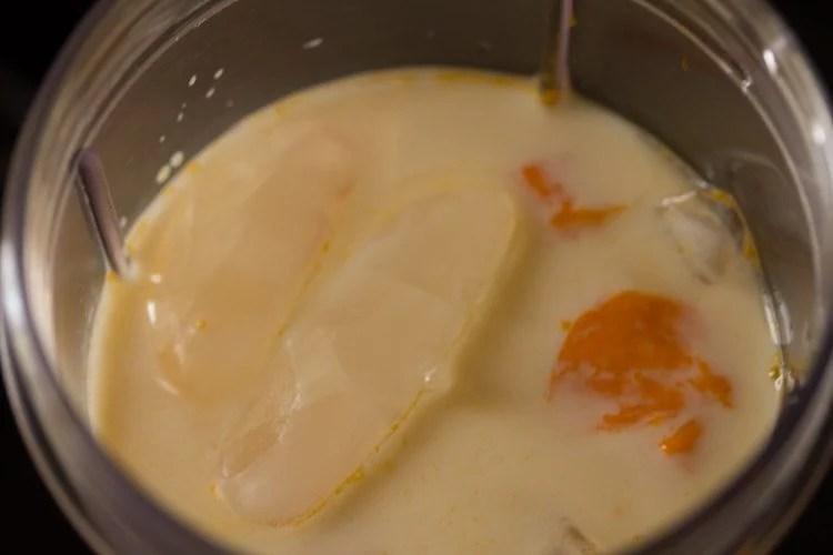 making mango milkshake recipe