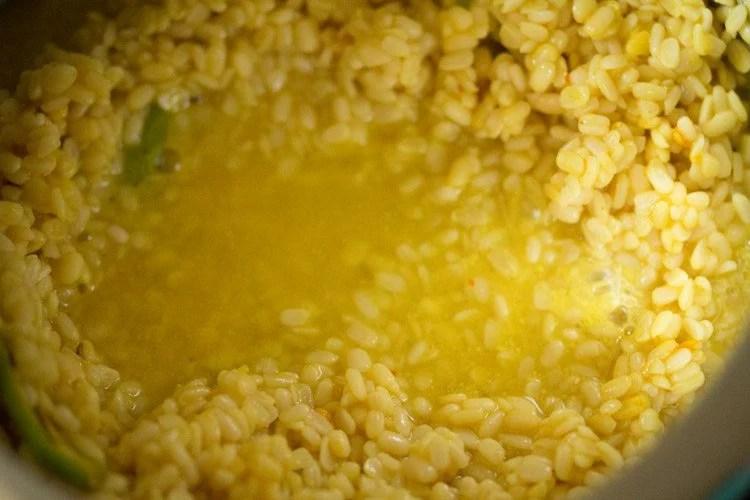 making dry urad dal recipe