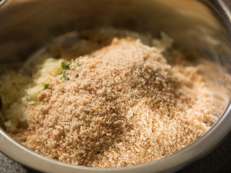 making cheese paneer tikki recipe
