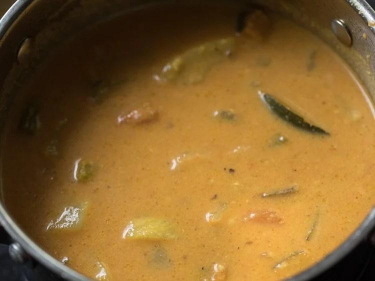 making varutharacha sambar recipe