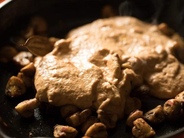 making mushroom paneer gravy recipe