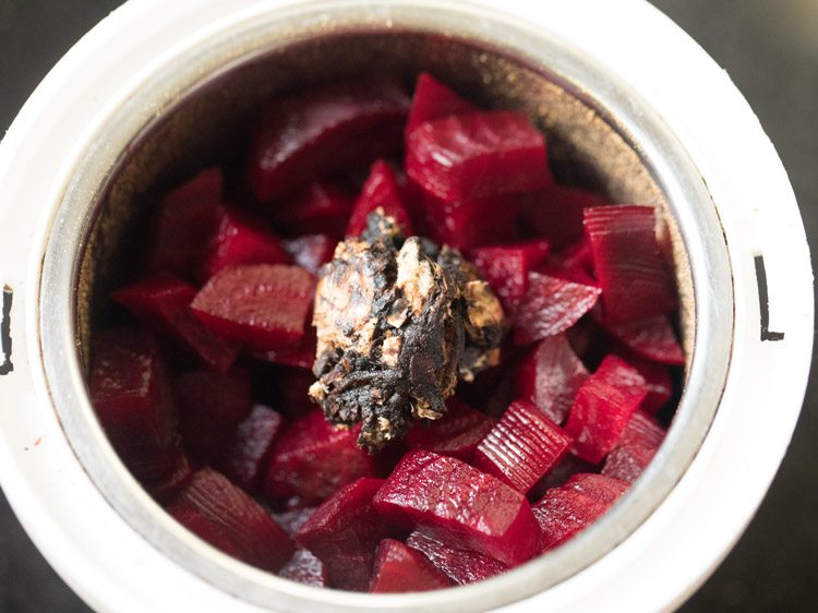 making beetroot rasam recipe