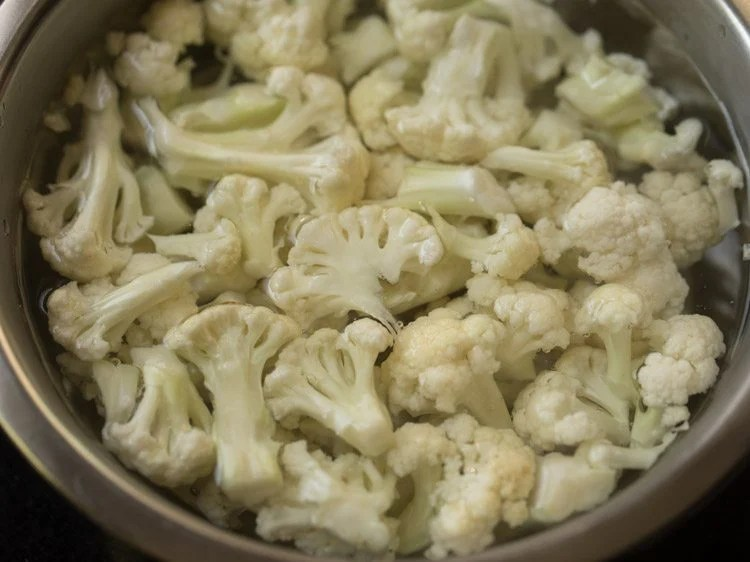 cauliflower for making cauliflower kurma recipe