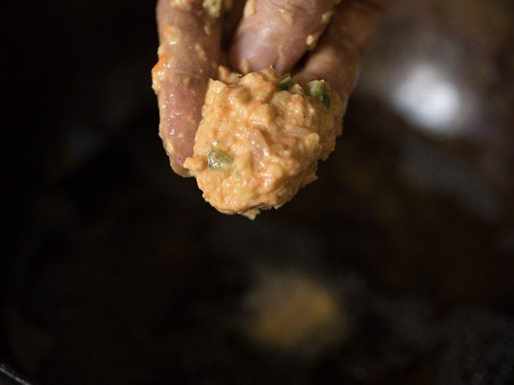 frying - Chinese pakoda recipe