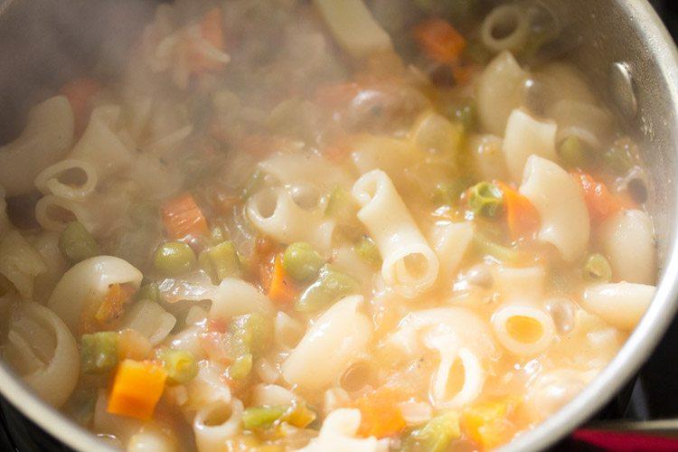 making vegetarian one pot pasta recipe