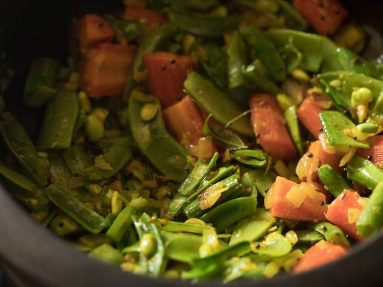 making bhogichi bhaji recipe
