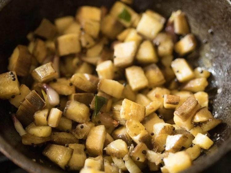 making vazhakkai varuval recipe