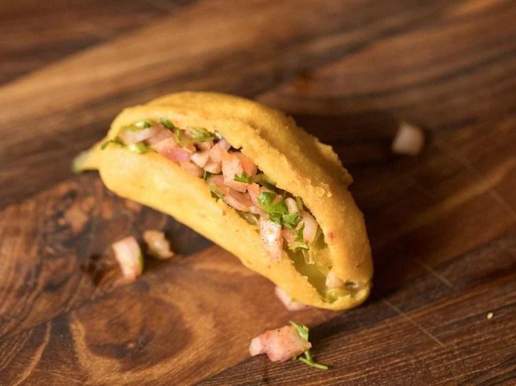 Andhra mirapakaya bajji recipe, mirchi bajji recipe, stuffed mirchi bajji recipe